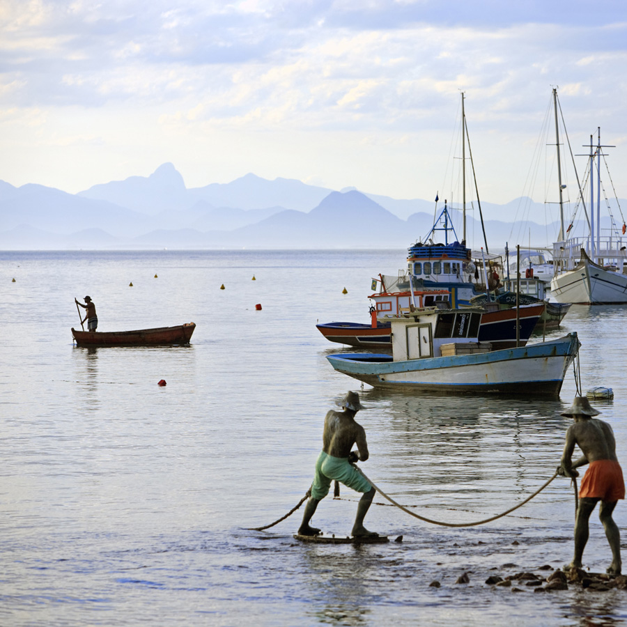 Study of Livelihoods, fishermen - Community Conservation Research Network CCRN study site